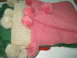 Ảnh số 24: khăn len quả 1 màu - Giá: 150.000