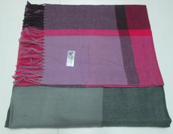 Ảnh số 25: khăn dạ carô - Giá: 100.000