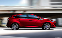 Ảnh số 4: Ford Focus Hatchback 5 cửa - Giá: 749.000.000