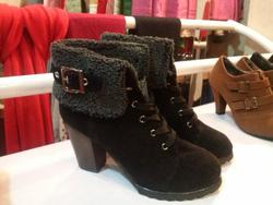 ?nh s? 63: boot cao gót da lộn cổ lông - Giá: 360.000