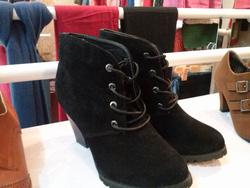 ?nh s? 71: boot cao gót da lộn buộc dây - Giá: 360.000