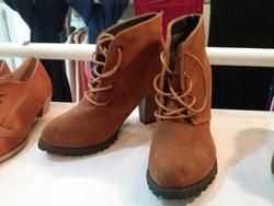?nh s? 73: boot cao gót da lộn buộc dây - Giá: 360.000