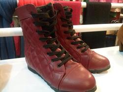 ?nh s? 80: boot cao cổ quả trám - Giá: 380.000