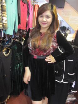 Ảnh số 37: Váy nhung - Giá: 365.000