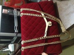 Ảnh số 14: túi nhung hộp,đỏ đô - Giá: 160.000