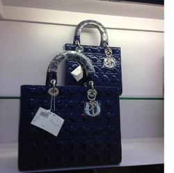 Ảnh số 33: Dior Lady - Giá: 450.000