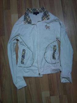 Ảnh số 38: Áo khoác BB size s 180k - Giá: 180.000