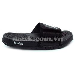 Ảnh số 76: Nike Air Jordan đen - Giá: 750.000