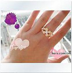 Ảnh số 6: Nhẫn hoa trắng - Giá: 20.000