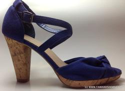 Ảnh số 50: Sandal nữ Việt Nam Xuất Khẩu Dinsko X17 size38 - Giá: 490.000