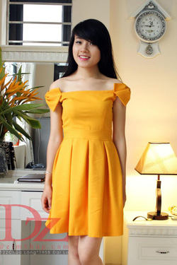 Ảnh số 76: Váy ôm - Giá: 395.000