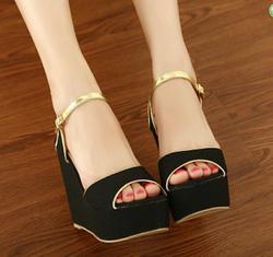 Ảnh số 10: sandal có sẵn size 35 - Giá: 300.000