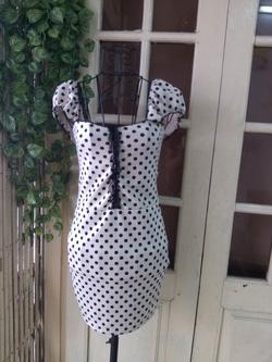 Ảnh số 34: Váy chấm bi pha ren, tay chớm, mặc rất nữ tính. Chất thun co giãn 4 chiều, siêu yêu các nàng nhé - 290k - Giá: 290.000