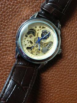 Ảnh số 11: đồng hồ cơ - Giá: 330.000
