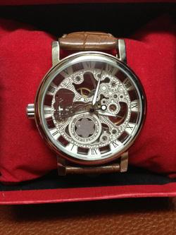 Ảnh số 13: đồng hồ cơ - Giá: 330.000
