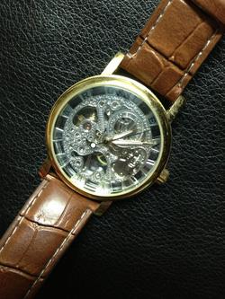 Ảnh số 14: đồng hồ cơ - Giá: 330.000