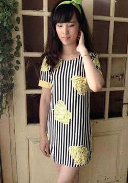 Ảnh số 66: Váy suông chất coton, họa tiết kẻ sọc hoa vàng rất đáng yêu - 220k - Giá: 220.000
