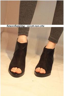 Ảnh số 14: Giày boot nữ - Giá: 320.000