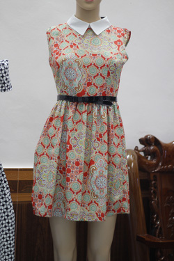 Ảnh số 28: Váy Zara họa tiết - Giá: 290.000