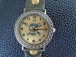Ảnh số 4: Đồng hồ Olj đầu lâu - Giá: 89.000
