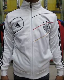 Ảnh số 21: áo khoác tuyển đức trắng - Giá: 160.000