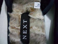 Ảnh số 15: dép xuất khẩu hiệu NEXT lớp lót bên trong bằng lông cừu cực ấm áp, đi lên rất nhẹ cảm giác thoải mái, đế thiết kế cao chất liệu không thấm nước nên đi - Giá: 80.000
