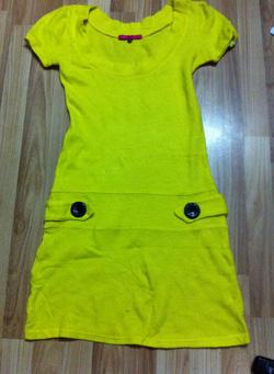 Ảnh số 32: Váy vàng, len nhật, size M. Giá 80k - Giá: 80.000