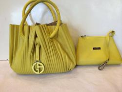 Ảnh số 81: MS TG7 : Bộ túi & ví Armani mầu vàng chanh . New 98% . Đựng đc cả đồ trang điểm ạ sale đồng giá 9 triệu cả bộ - Giá: 1.000