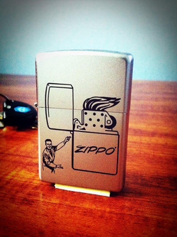 Ảnh số 7: Vintage Man Zippo Lighter - Giá: 650.000