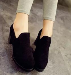 Ảnh số 89: Giày cao gót loafer nhung - Giá: 240.000