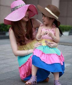 Ảnh số 1: Váy đôi cho mẹ và bé - Giá: 680.000