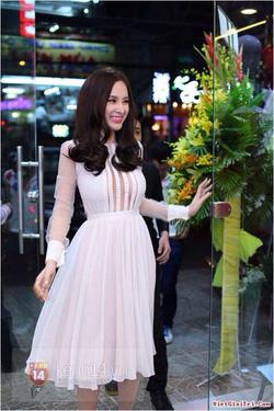 Ảnh số 16: Set váy trắng cao cấp, hàng chuẩn - Giá: 650.000