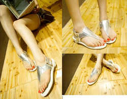 ?nh s? 31: Giày sandals bệt 1 dây kéo -230.000VND - Giá: 230.000