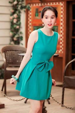 Ảnh số 10: Váy xanh xoè nơ eo - Giá: 500.000