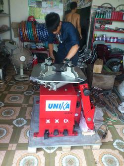 ?nh s? 10: Máy tháo lắp lốp UNIKA U-512 - Giá: 16.200.000