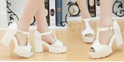 ?nh s? 15: Giày sandals chunky chữ T 9 phân - 270k - Giá: 270.000