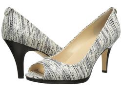 Ảnh số 13: Giày Hở Mũi Calvin Klein size 6  Cao trước sau , màu đen ghi xước, da rạn lạ mắt  Cao 8cm , đi cực êm chân ạ - Giá: 2.200.000