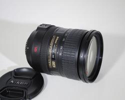 Ảnh số 37: Nikon AF-S 18-200mm - Giá: 3.900.000