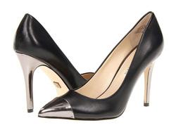 Ảnh số 34: Giày AK Anne Klein size 7.5  Giày pump mũi nhọn đen pha gót và mũi giày màu ghi   Cao 10cm - Giá: 1.800.000