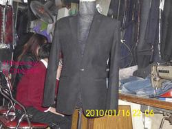 Ảnh số 27: vest đen - Giá: 1.700.000