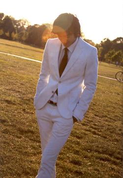 Ảnh số 59: vest trắng - Giá: 2.200.000