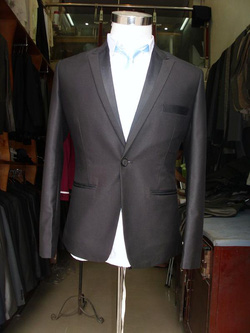 Ảnh số 77: vest đen bổ ve pha - Giá: 2.000.000