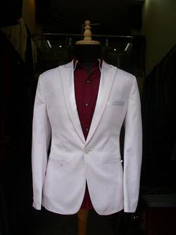 Ảnh số 81: vest trắng bổ ve pha - Giá: 2.200.000