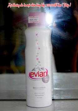 Ảnh số 40: Xịt khoáng Evian 300ml - Giá: 250.000
