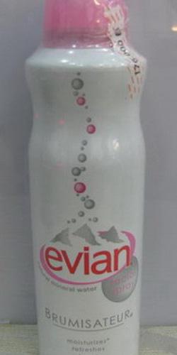 Ảnh số 88: Xịt khoáng Evian 150ml - Giá: 175.000