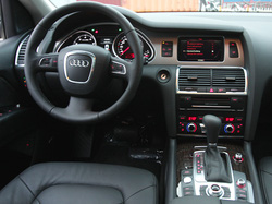 Ảnh số 28: Audi Q7 - Giá: 3.300.000.000
