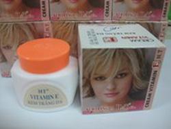 Ảnh số 31: vitamin E H&T nắp cam - Giá: 8.000