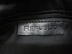 Ảnh số 32: Túi  Republic - Giá: 850.000