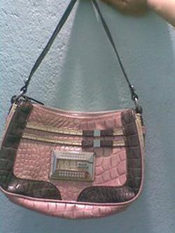 Ảnh số 3: túi guess mẫu mới 2012 AUTHENTIC - Giá: 1.500.000