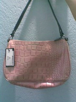 Ảnh số 4: túi guess mẫu mới 2012 AUTHENTIC - Giá: 1.500.000